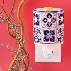 "Scentsy ""Indigo Tile"" Mini Warmer"